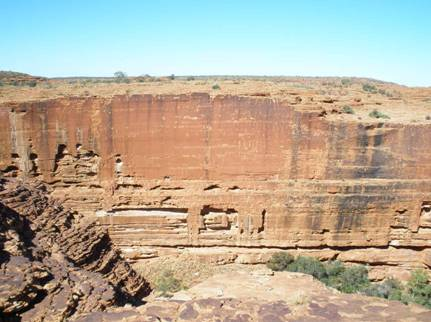 cliffs in Kings Canyon